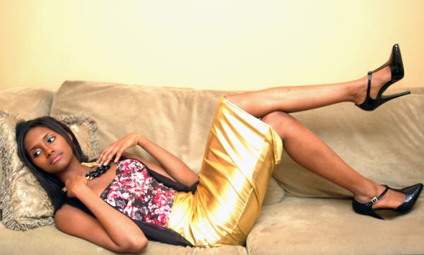 alliexperience allie gold skirt pattern shirt black heels asos 1