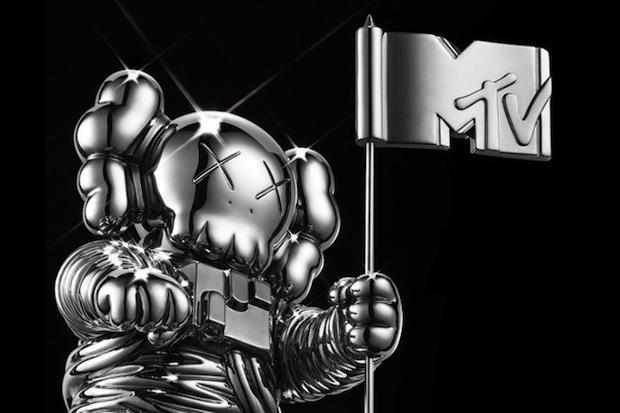 kaws-redesigns-mtvs-moonman-for-2013-vmas-1