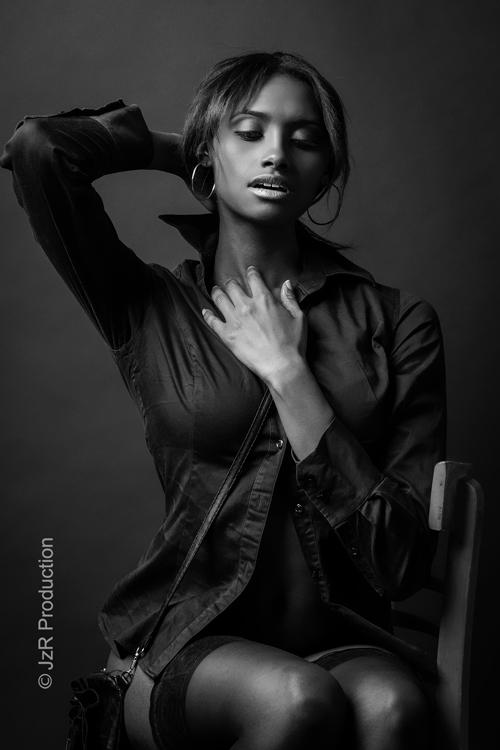 Alexandria Lyons 01