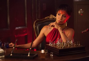 Dangerously Hot Nails Inspired by Fish Mooney [GOTHAM]